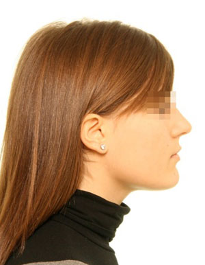 claud_c_0000_Portrait Profile.jpg